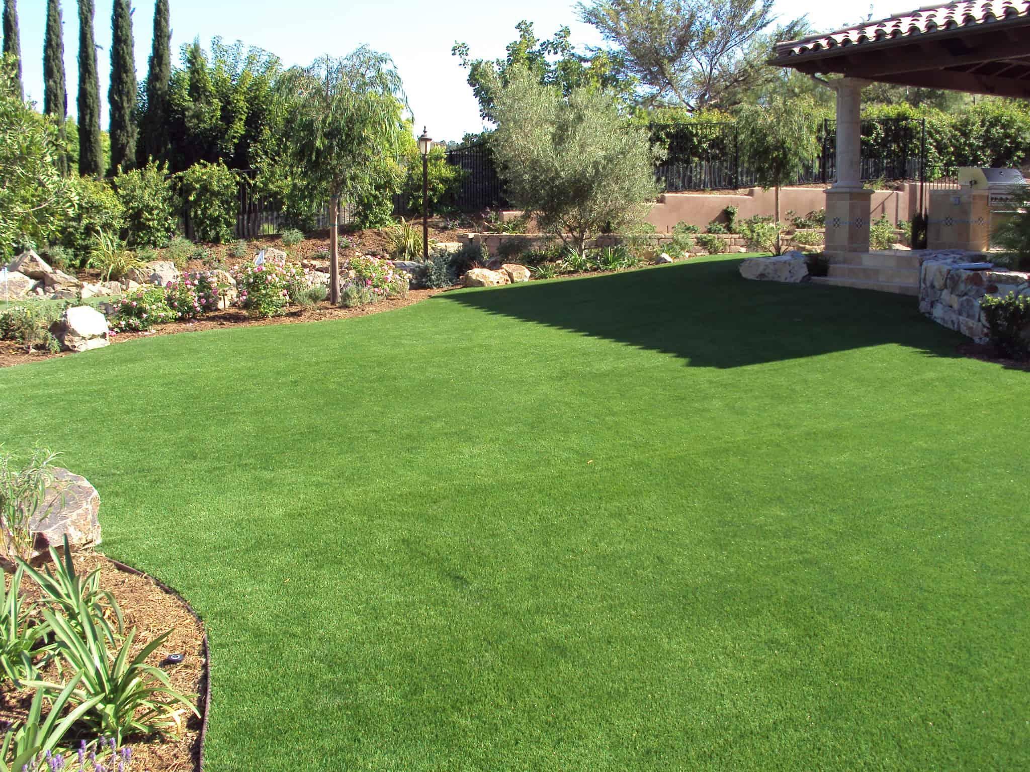 Synthetic Grass Escondido Synthetic Backyard Putting Greens