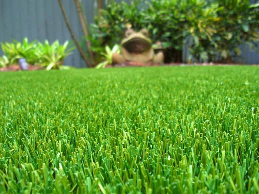 Five home improvement projects with a great roi easyturf for Home improvement roi